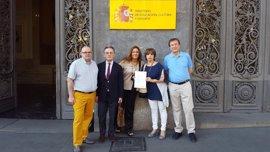 Sindicatos de profesores exigen a Méndez de Vigo participar en los informes que el Gobierno envía a Bruselas