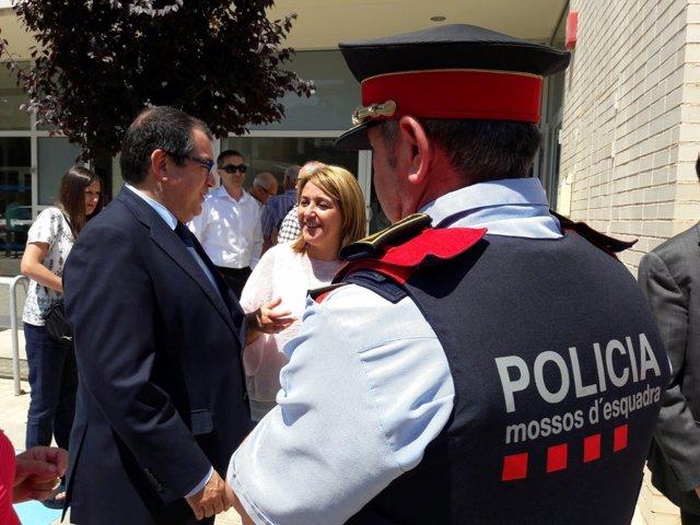 El conseller de Interior, Jordi Jané, visita Aitona (Lleida)