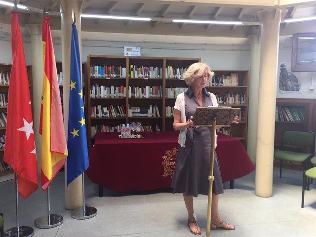 Nota Y Fotos. La Biblioteca Regional Recibe El 'Legado Pedro Salinas' Formado Po