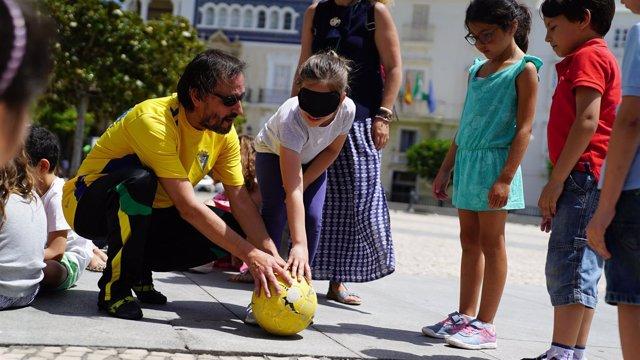 Cajasol celebra el Día de la Educación en la plaza de San Antonio
