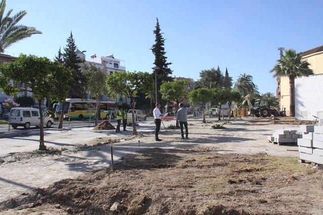 Visita del alcalde palaciego a las obras de la Plaza de Cuba