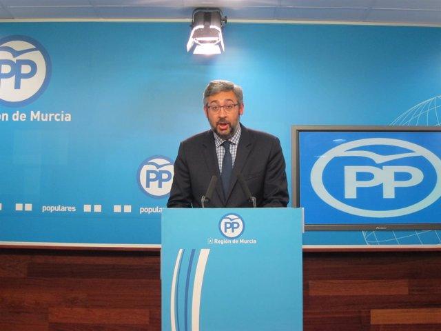 El portavoz del PP de la Región, Víctor Martínez