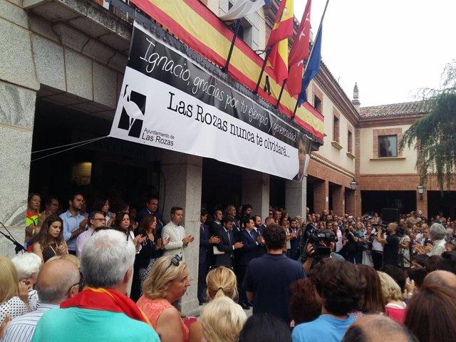 Concentración en Las Rozas por Ignacio Echeverría