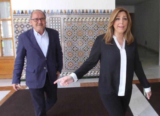 Susana Díaz y Juan Cornejo en los pasillos del Parlamento andaluz