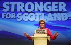 """Sturgeon afirma que las elecciones han sido """"un desastre"""" para May"""