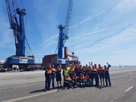 El tercer día de paros en la estiba vuelve a paralizar la actividad del Puerto de Santander