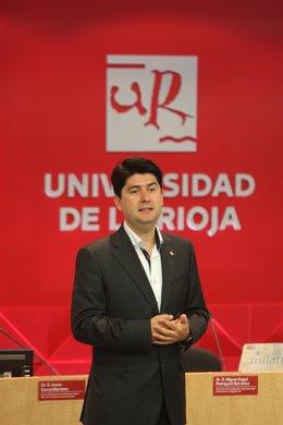Javier García, investigador riojano premiado en EEUU