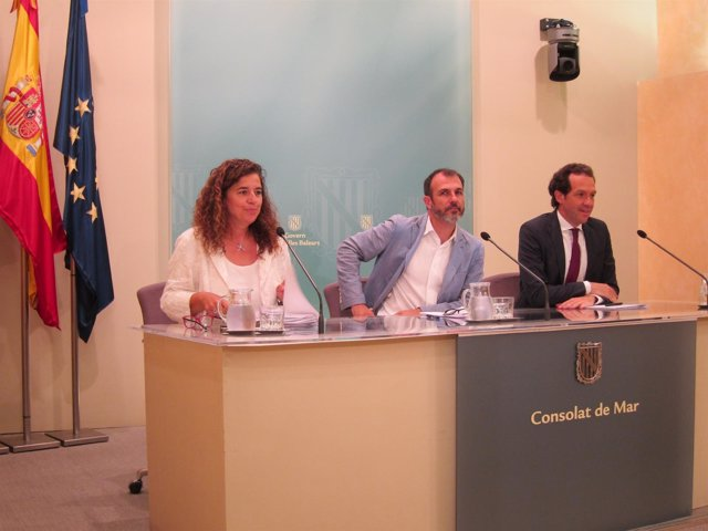 Costa, Barceló y Pons tras el Consell de Govern