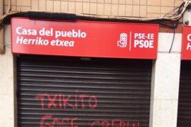 """PSE denuncia pintadas en las casas del pueblo de Santurtzi y Las Arenas de """"intolerantes que solo saben usar la amenaza"""""""