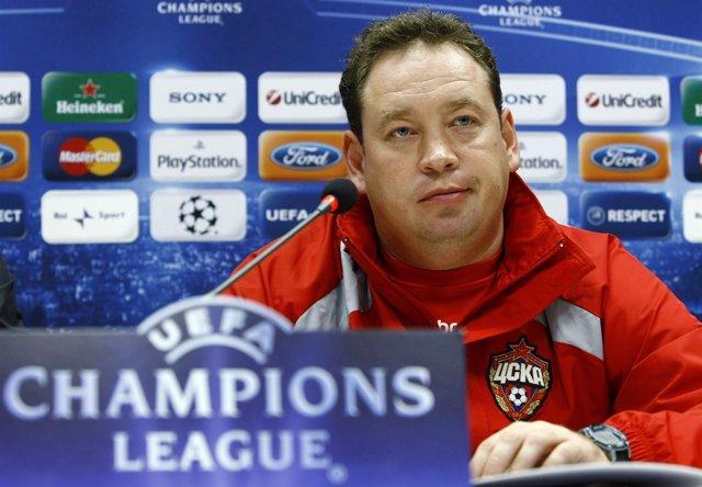El Entrenador Del CSKA Moscú Leonid Slutsky