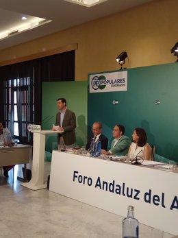 Juanma Moreno foro andaluz del agua presidenta