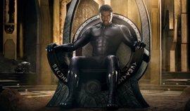 Black Panther: Primer póster oficial con T'Challa en el trono de Wakanda