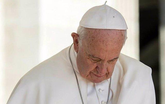 El Papa Francisco reza por las víctimas de la violencia terrorista