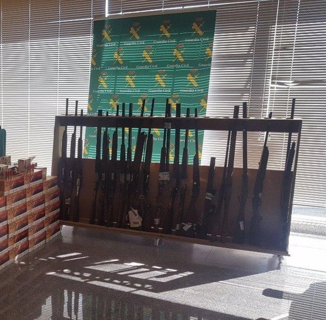 Intervenidas armas en un taller clandestino de Tomiño.