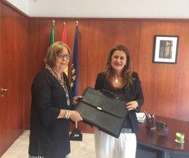 Sonia Gaya defiende el diálogo social para alcanzar consensos que permitan progresar y mejorar la educación en Andalucía