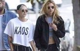 Foto: Kristen Stewart y Stella Maxwell acuden a una fiesta por separado y coinciden en estilismo