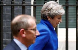 El fracaso de May fuerza un juego de alianzas para un gobierno en minoría a punto de afrontar el Brexit