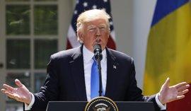 Trump se ofrece a dar su versión de las reuniones con Comey bajo juramento