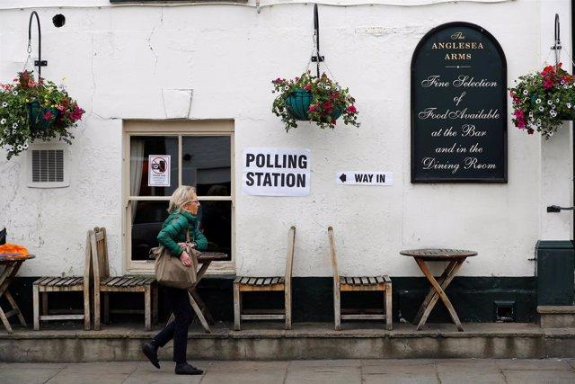 Centro electoral en el distrito londinense de Kensington