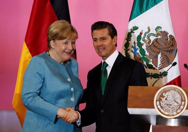 El presidente mexicano Enrique Peña Nieto y la canciller alemana, Angela Merkel.