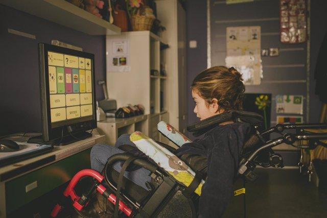 Fundación Solidaridad Carrefour acerca las nuevas tecnologías a niños con paráli