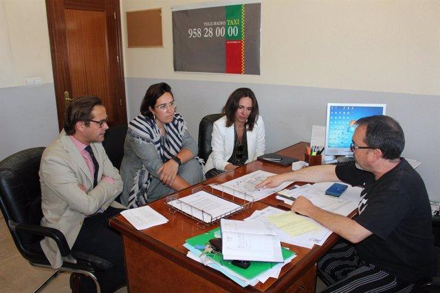 Reunión de concejales del PP de Granada con la Gremial del Taxi