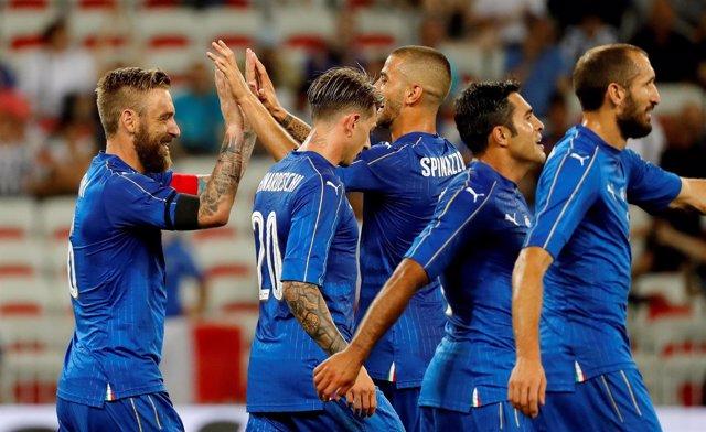 Italia golea (3-0) a una Uruguay sin Cavani, Suárez y Godín