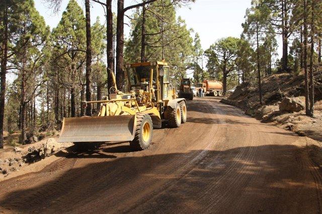 Trabajos de mejora de una pista forestal