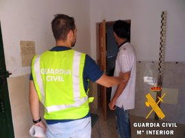 Detenido un acusado de robar en establecimientos públicos de Roquetas de Mar (Almería)