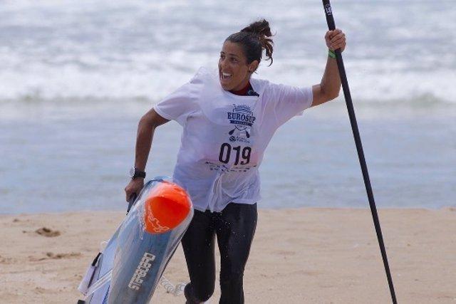 Laura Quetglas surf larga distancia plata EuroSUP