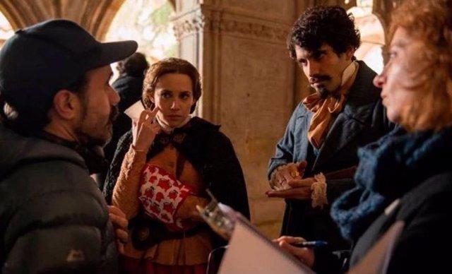 Tamar Novas en el papel de Bécquer en 'El Ministerio del Tiempo'