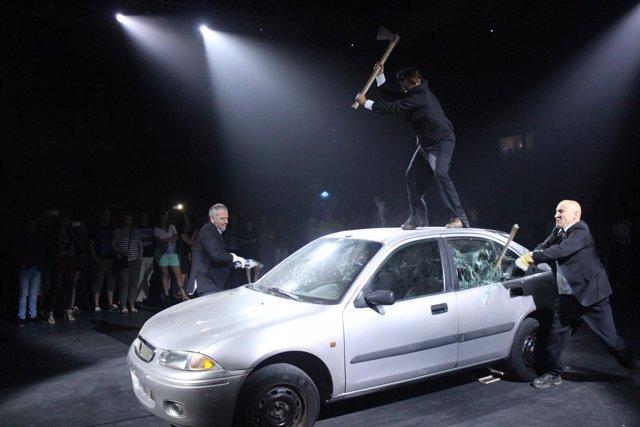 La Fura del Baus estrena la obra ADN en el Festival de Teatro de El Ejido