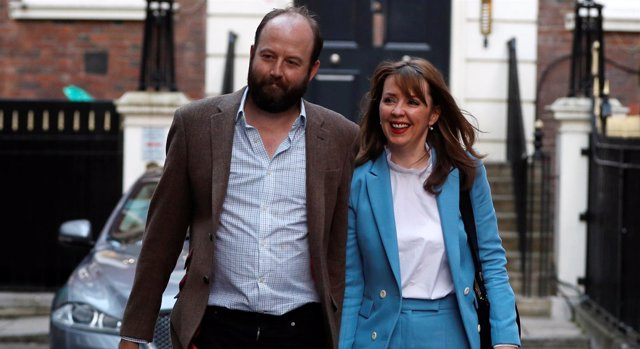 Nick Timothy y Fiona Hill, jefes de Gabinete de Theresa May