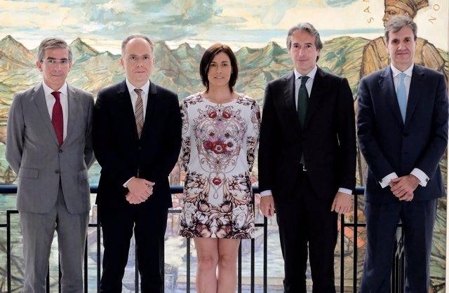 Firma del convenio de la primera fase de la integración ferroviaria de Santander