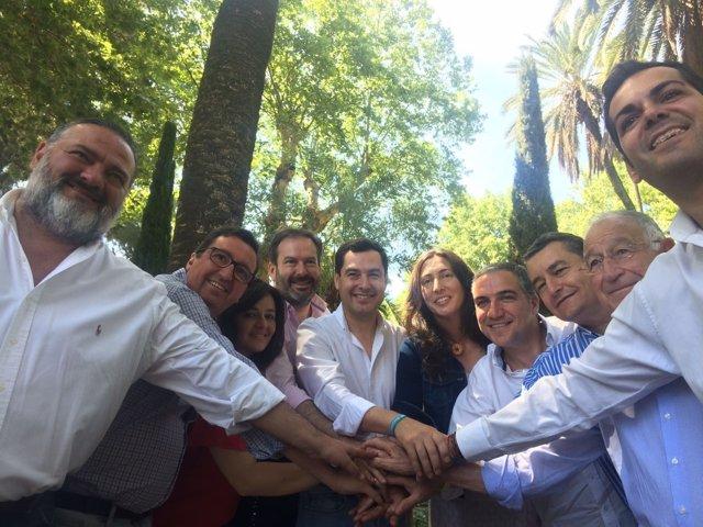 Encuentro de presidentes provinciales del PP con Juanma Moreno