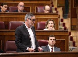 """Cs critica """"el sesgo"""" de las mociones contra Rajoy y Cifuentes y las considera """"una actuación circense"""""""