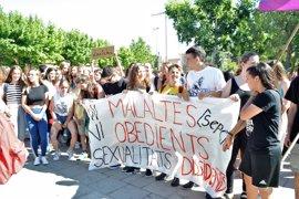 El colectivo LGTBI rechaza que se archive el expediente contra el docente homófobo de Lleida