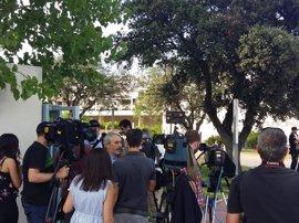 El cuerpo de Ignacio Echeverría llega al tanatorio municipal de Las Rozas de Madrid
