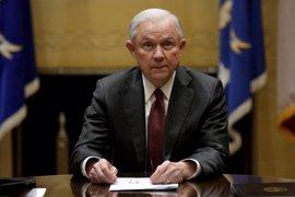 El fiscal general de EEUU testificará el martes ante la comisión del Senado que investiga las relaciones con Rusia