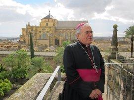 """El obispo de Córdoba: Sin el Cabildo, la Mezquita-Catedral """"estaría hundida hace tiempo"""""""
