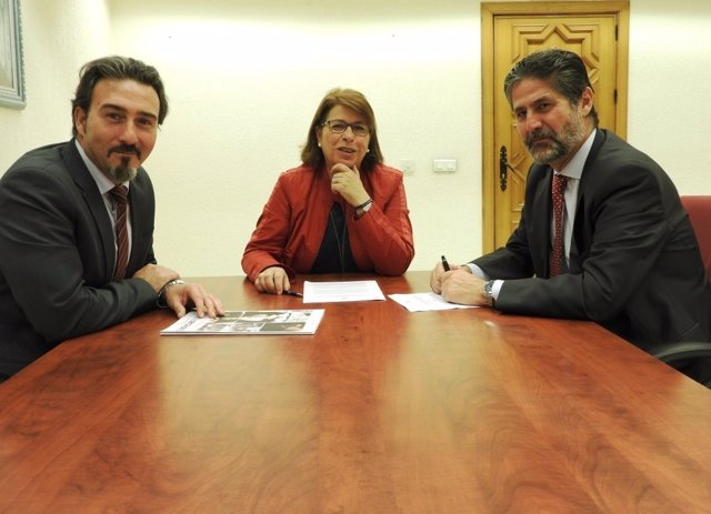 Fundación Cajasur colabora con Centros de Promoción de la Mujer de Córdoba