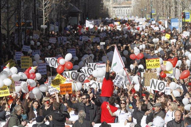 Manifestación por dos hospitales completos en Granada