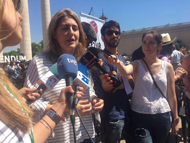 Marta Pascal (PDeCAT) atiende a los medios en Montjuïc
