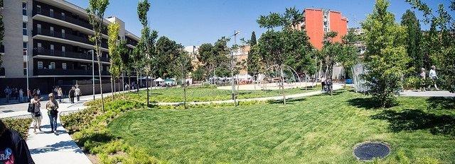 Remodelación de la plaça de les Dones, en Nou Barris.
