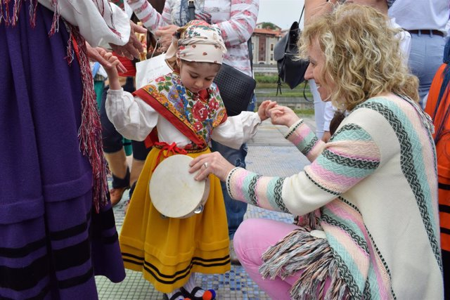 Eva Díaz Tezanos en la Fiesta de la Gaita en Unquera