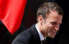 Los aliados de Macron obtienen una clara mayoría absoluta en las legislativas, según sondeos a pie de urna
