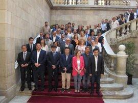 El independentismo y los 'comuns' arropan juntos a Nuet antes de declarar