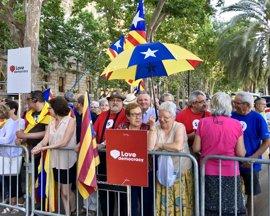 Centenares de personas arropan a Nuet en su declaración en el TSJC