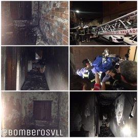 Tres afectados por humo en el incendio de una vivienda en Valladolid