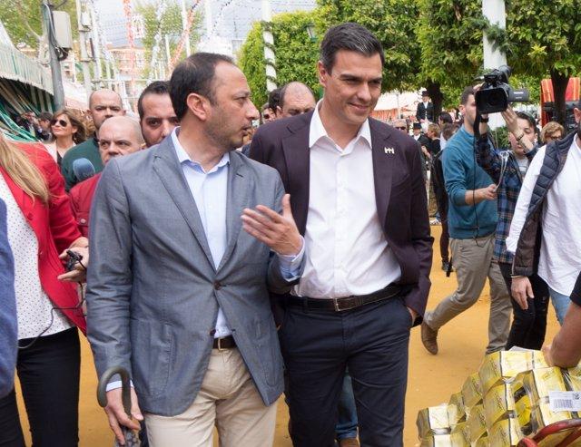 Alfonso Gómez de Celis y Pedro Sánchez en la Feria de Abril de 2016